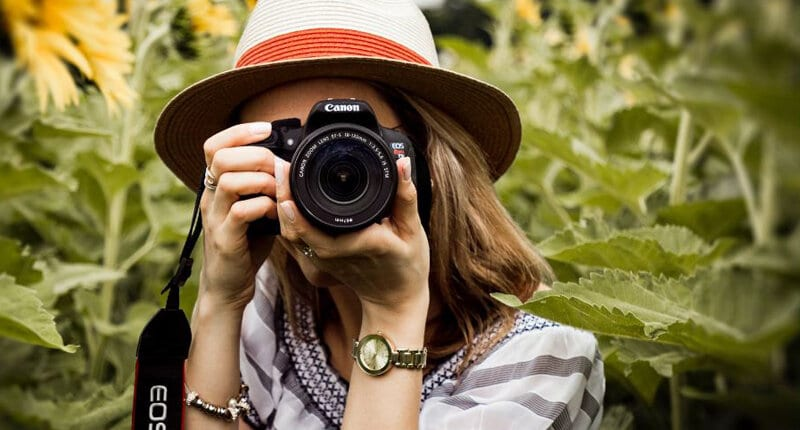 Photography side hustle ideas for moms